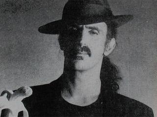 Ver vídeo  'Muere Frank Zappa (1993)'