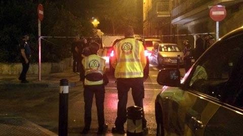 Ir al VideoMuere una mujer de un disparo en la cabeza en Madrid