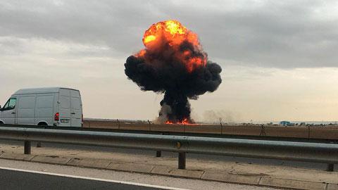 Ir al VideoMuere el piloto de un F-18 al estrellarse en Torrejón