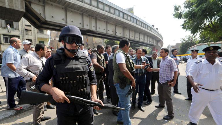 Mueren dos policías en El Cairo al explotar una bomba cerca del ministerio de exteriores