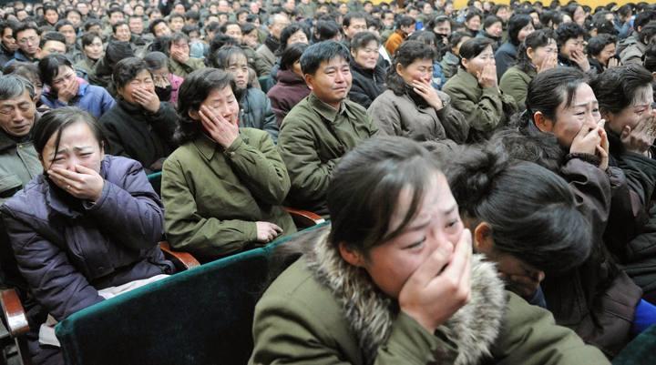 norcoreanos lloran muerte de kim jong il biography
