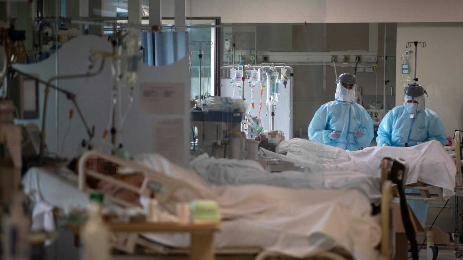 Ir al VideoLas muertes en España se dispararon un 74% en el pico de la epidemia