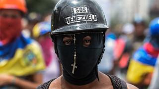 Un muerto y más de 40 de heridos en el día 80 de protestas en Venezuela