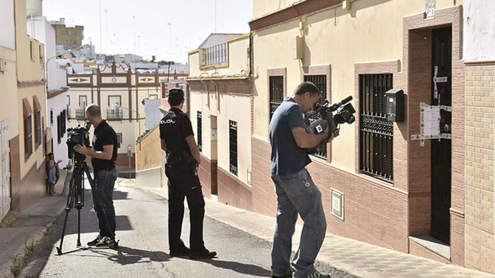 Detenido un hombre por matar presuntamente a su mujer en - Comisaria alcala de guadaira ...