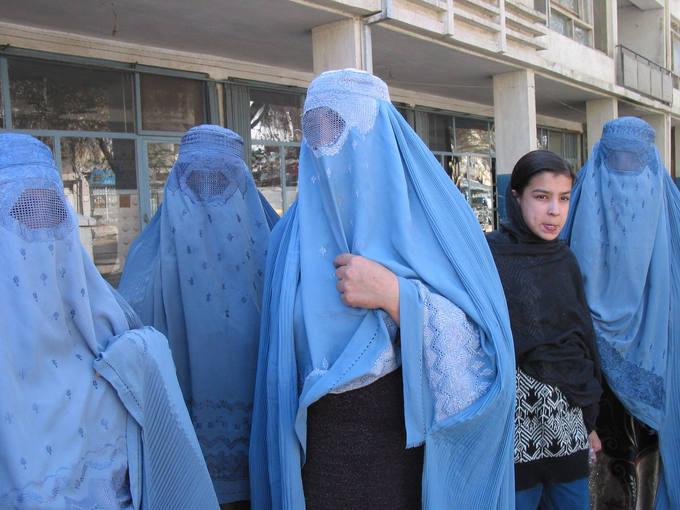 Mujeres afganas con burka.
