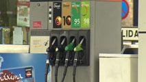 Ir al VideoMulta de 32 millones de euros a cinco petroleras que operan en España