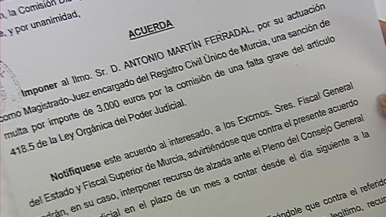 Un juez de Murcia, sancionado por insultar