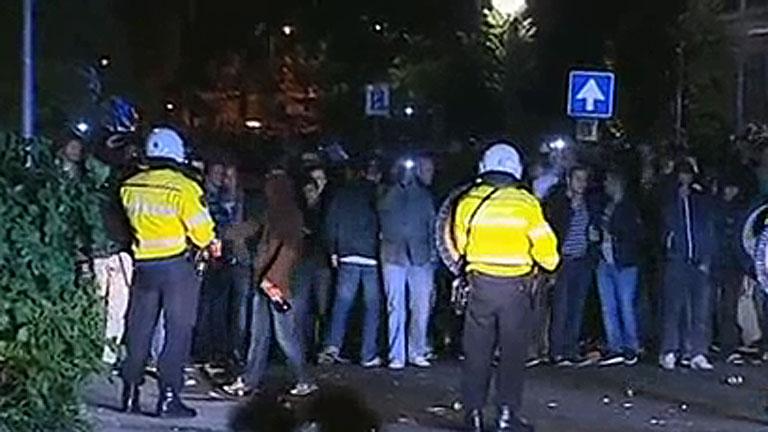 Miles de personas personas acuden por Facebook y provocan disturbios en un cumpleaños privado en Holanda