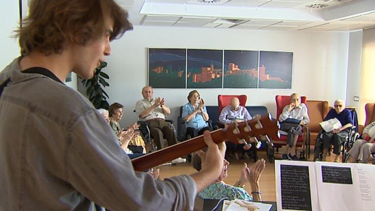 La música ayuda a distraerse a pacientes con enfermedades avanzadas