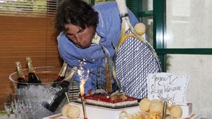 Nadal celebra sus 26 años en París