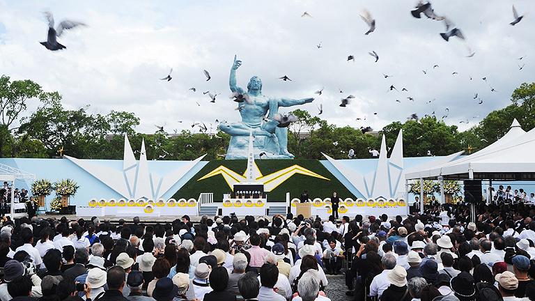 Nagasaki recuerda a las 70.000 víctimas de la bomba atómica