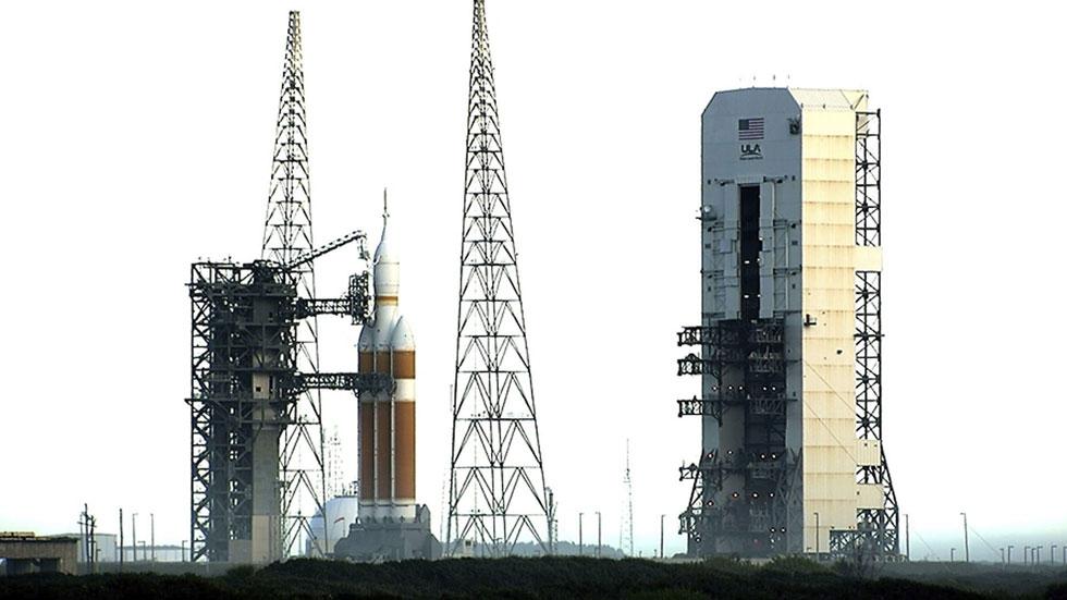 La NASA lanza con éxito la cápsula Orion