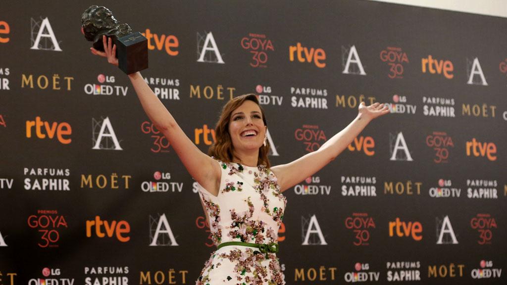Natalia de Molina, mejor actriz por 'Techo y comida'