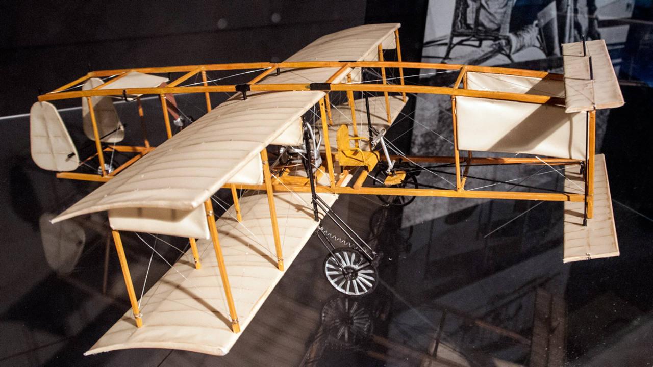 La navegación aérea ocupa un lugar muy importante en la obra de Julio Verne.