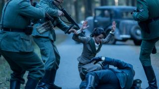 El Ministerio del Tiempo - Los nazis descubren el plan de la patrulla para rescatar a Lola Mendieta