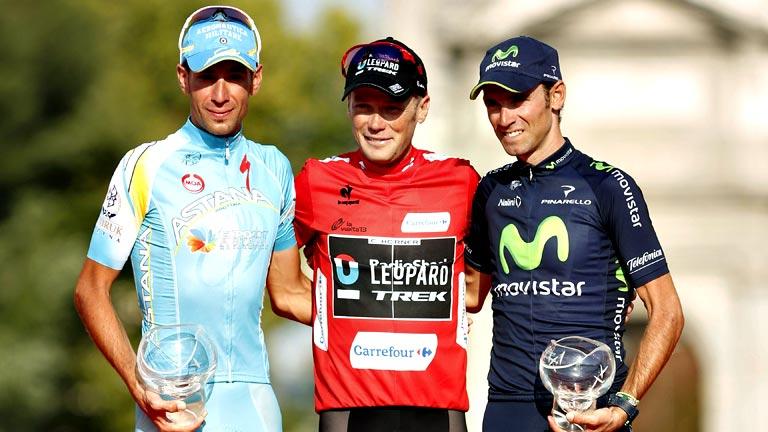 Nibali y Valverde escoltan a Horner en el podio final de la Vuelta