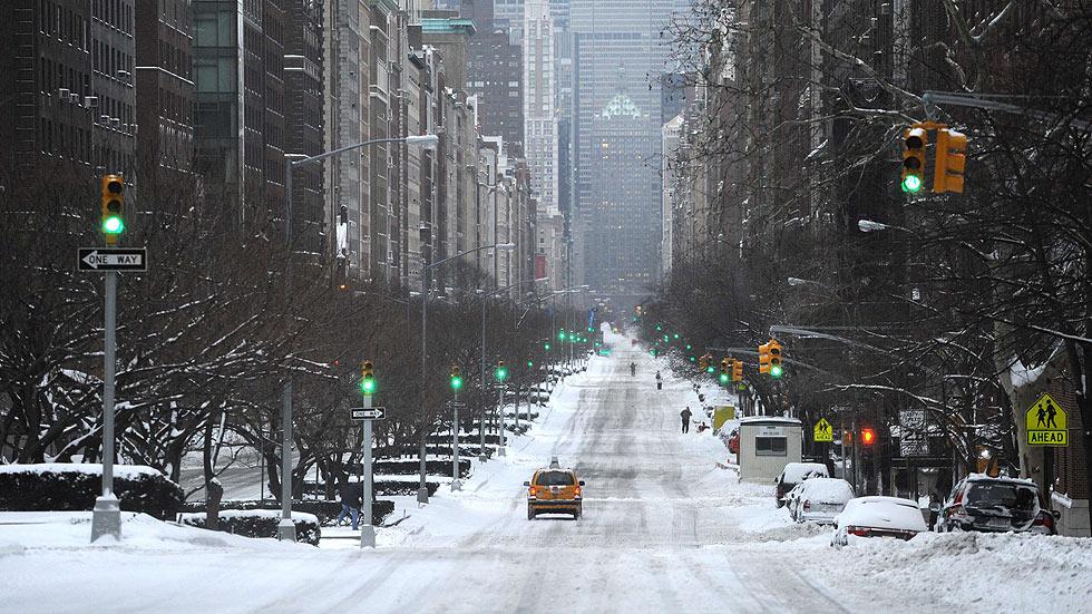 La nieve convierte Nueva York en una ciudad fantasma