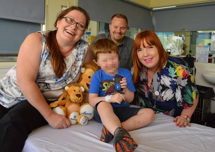 El niño de 4 años que tiene un páncreas artificial con su familia en Perth, Australia.