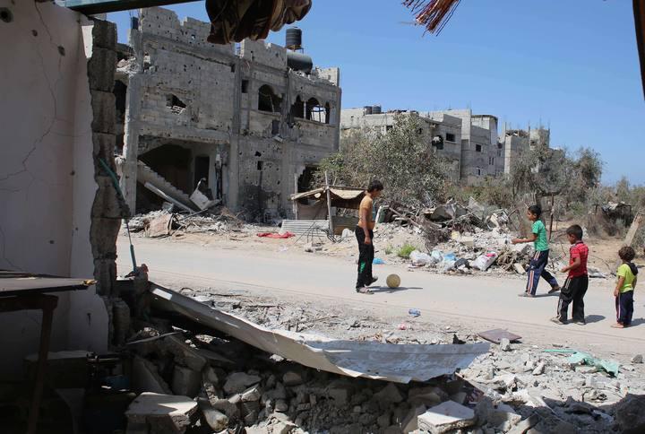 Niños jugando en la Franja de Gaza
