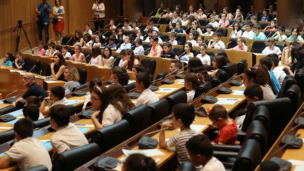 Los niños protagonizan un pleno contra el acoso escolar en el Congreso de los Diputados