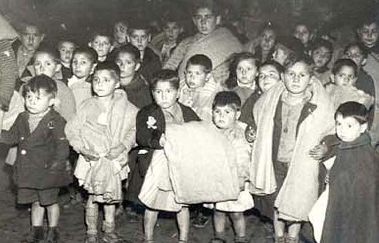 Informe semanal - Los niños robados del franquismo reclaman su memoria