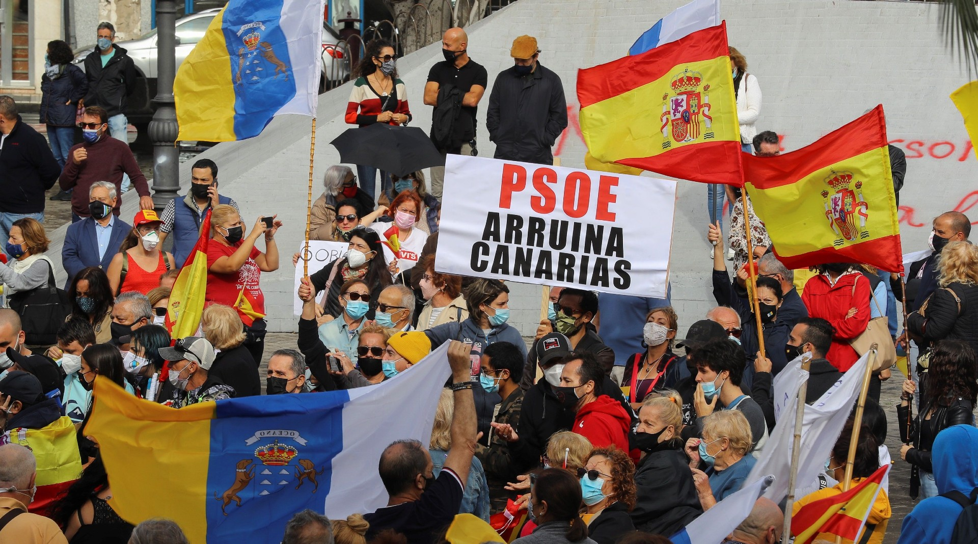 Ir al VideoNueva manifestación en Canarias contra la acogida de migrantes