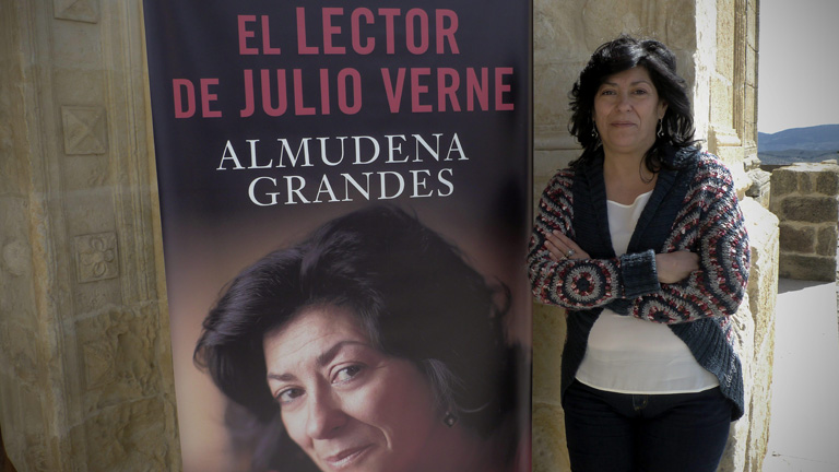 """Almudena Grandes presenta su última novela, """"El lector de Julio Verne"""""""