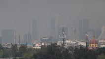 Ir al VideoNueve de cada diez personas en el mundo respira aire contaminado, según la OMS