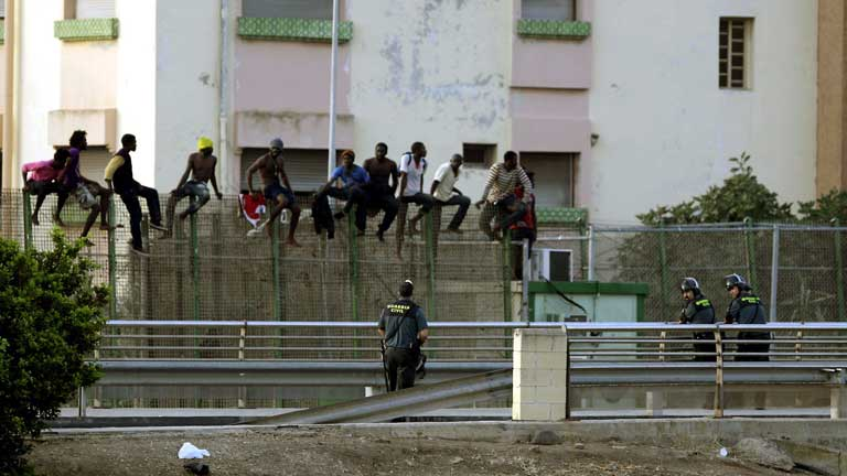 Nuevo intento de salto masivo a la valla de Melilla