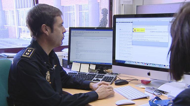 La Policía alerta de virus para estafar a usuarios en Internet