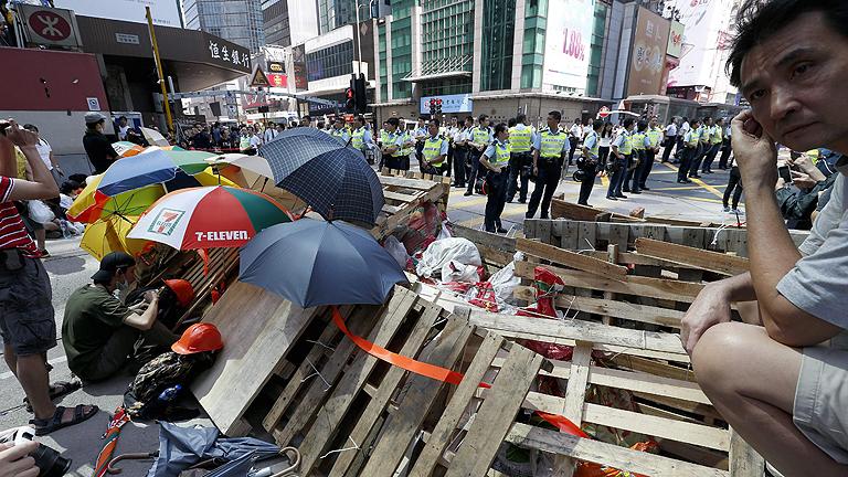 Nuevos enfrentamientos en las calles de Hong Kong