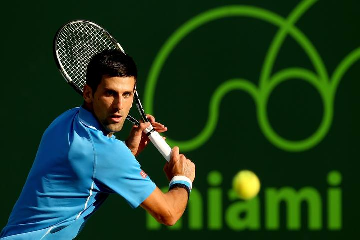 El número uno del mundo, Novak Djokovic, durante su enfrentamiento contra el belga Steve Darcis.