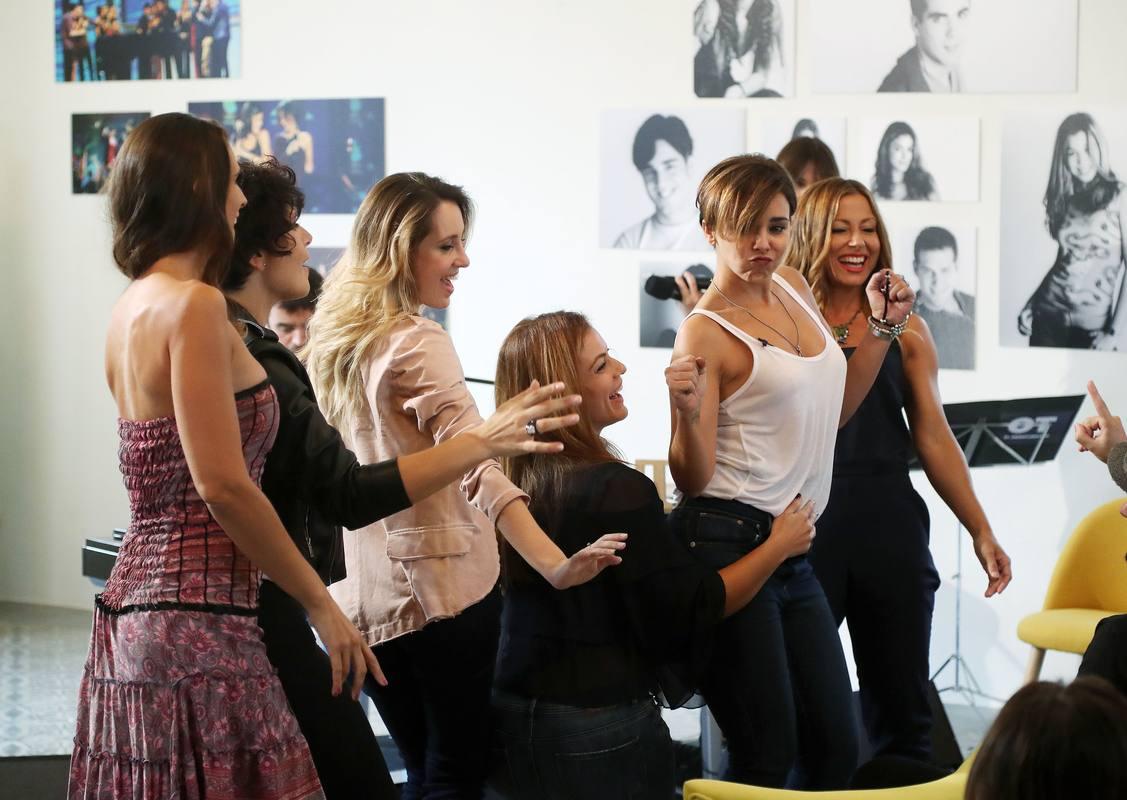 Nuria Fergó, Rosa, Mireia, Geno, Chenoa y Verónica, en el reencuentro de OT
