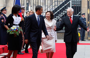 Obama llega a Praga para la cumbre UE-EE.UU.