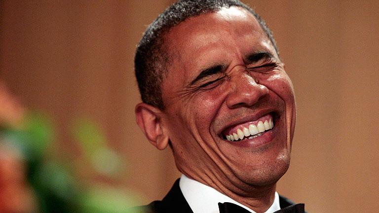 Obama se burla de sí mismo y de sus rivales republicanos