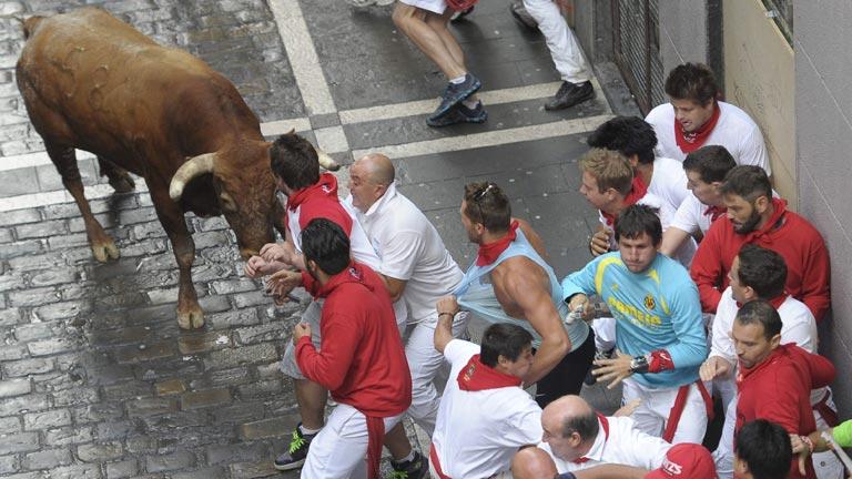 El último encierro de sanfermines 2014 con toros de Miura ha sido peligroso y tenso