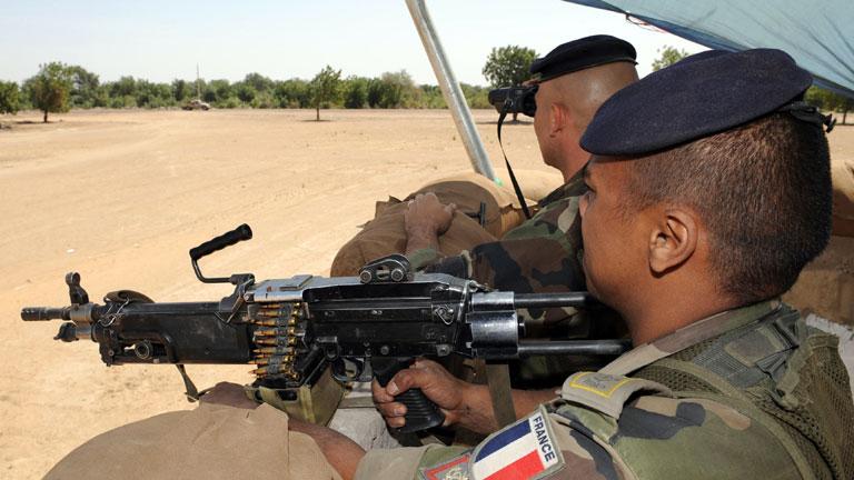 Mali lanza una ofensiva apoyada por Francia y África Occidental contra los rebeldes salafistas
