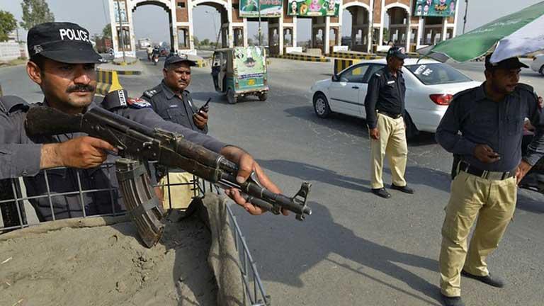 Pakistán mantiene su ofensiva contra el bastión de los talibanes y sus socios de Al Qaeda en el norte del país
