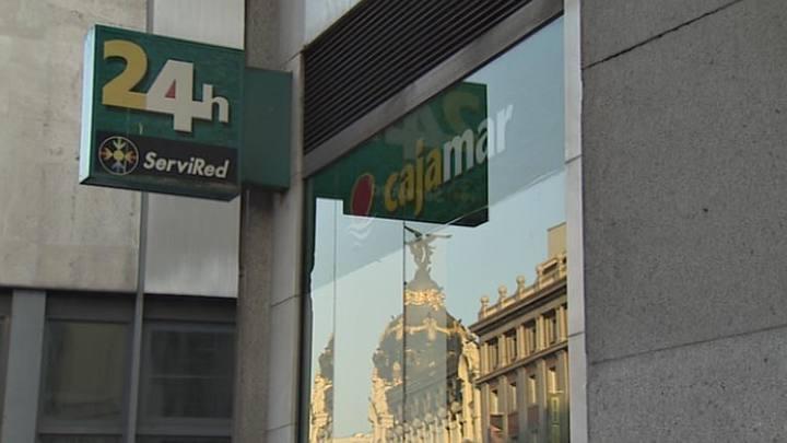 El banco de espa a aprueba la 39 fusi n fr a 39 de cajas for Oficinas de caja rural en madrid