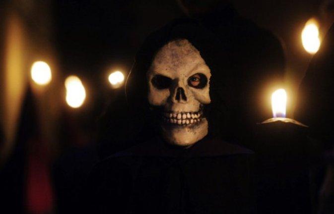 On Off: Danza de la muerte