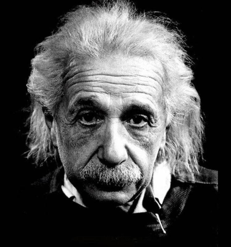Las ondas gravitacionales fueron predichas por la Teoría General de la Relatividad de Albert Einstein.
