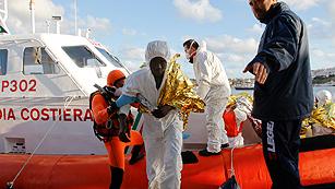 Más de 300 inmigrantes desaparecidos en el naufragio en el Canal de Sicilia del pasado domingo