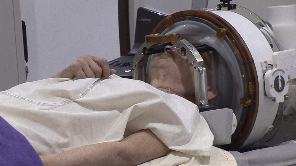 España realiza con éxito la primera operación de cerebro sin abrir el cráneo
