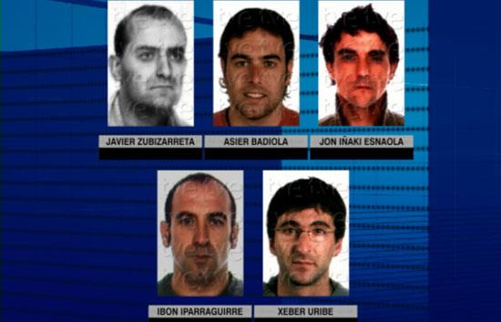 La Ertzaintza detiene a cinco 'legales' de ETA