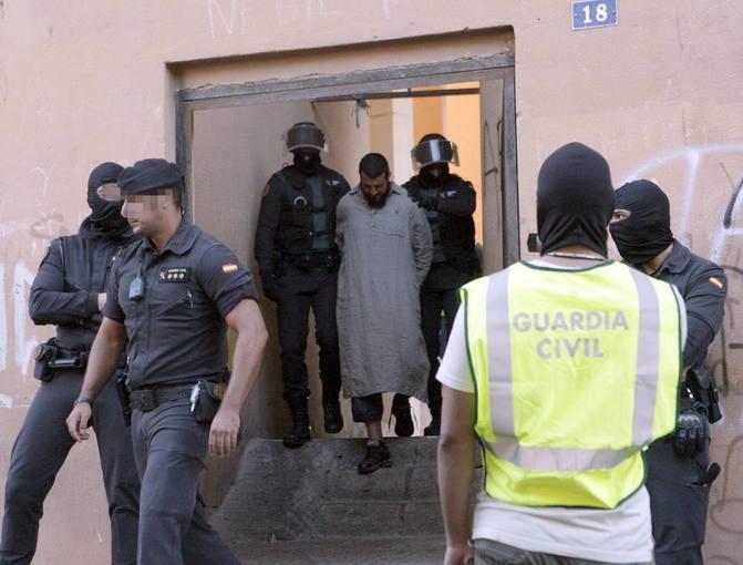 Una de las operaciones contra el yihadismo de la Guardia Civil y la Policía en Melilla
