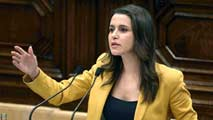 Ir al VideoLa oposición en el Parlament muy crítica tanto con Puigdemont como con Mas
