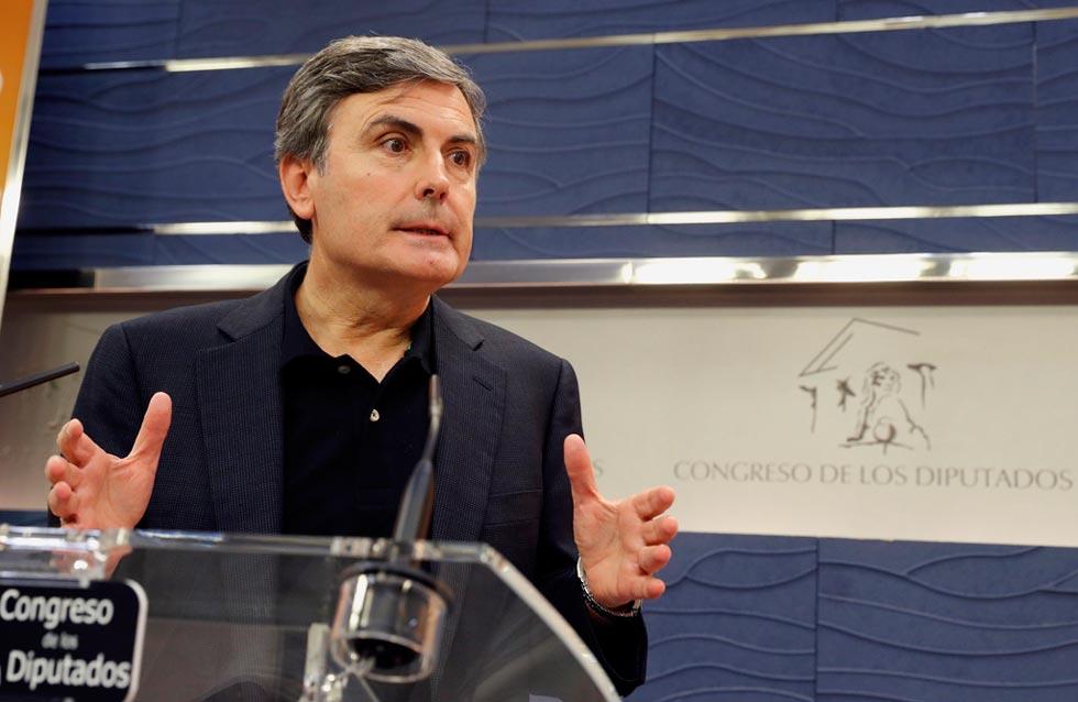 La oposición pide la dimisión del ministro de Hacienda