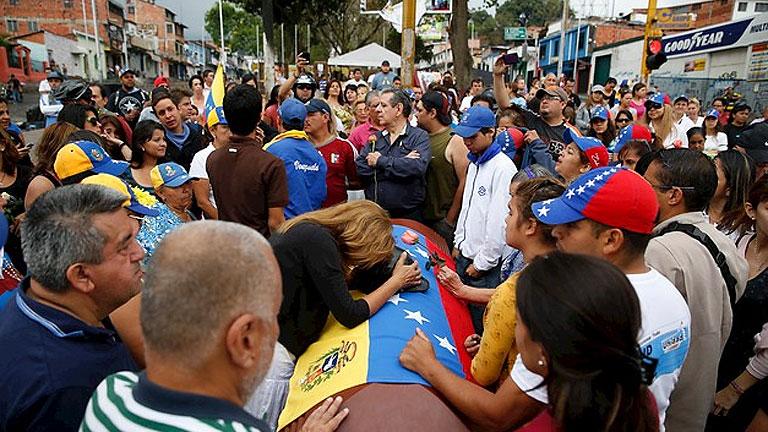 """La oposición venezolana rechaza acudir a la """"Conferencia de Paz"""" que convoca Maduro"""