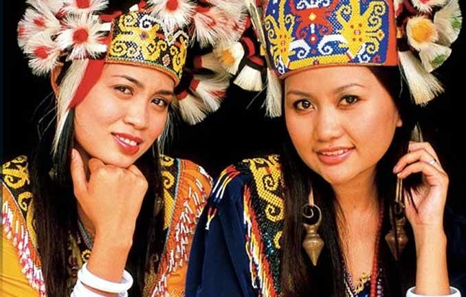 Otros pueblos - Orang Ulu, las mujeres de orejas largas