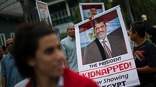 Ordenan prisión preventiva para Morsi por colaborar con Hamás y atacar cárcel